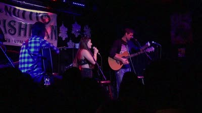 Kiera Stella singing with Walker Hayes at The Nutty Irishman