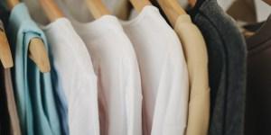 クローゼットの服の整理