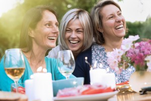 alcohol and breast cancer women drinking together