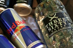 dangers of mixing energy drinks and alcohol