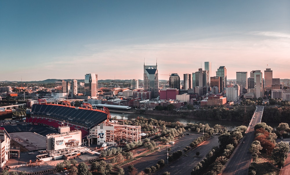 nashville-tennessee-downtown-skyline-2021