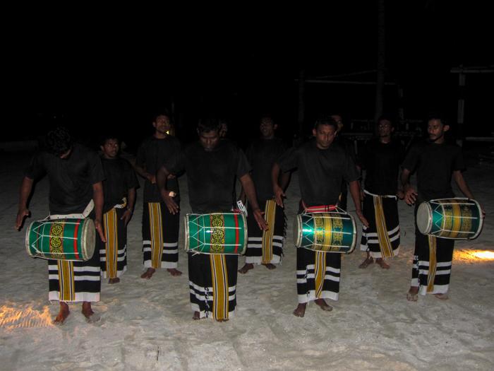 Jumeirah-Dhevanafushi-Maldivians-Performance