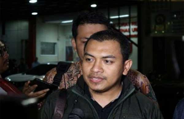 Kuasa hukum FPI, Aziz Yanuar.