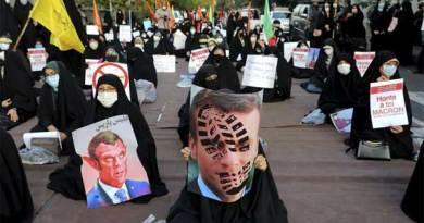 Gelombang protes terhadap Presiden Perancis Emmanuel Macron