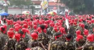 Ribuan anggota Banser-Ansor melaksanakan parade di Purwokerto