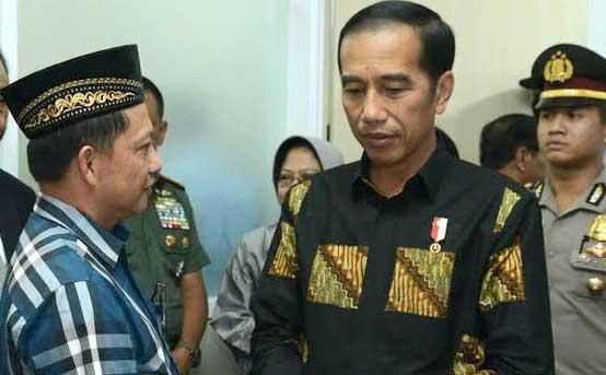 Presiden Joko Widodo bersama Menteri Dalam Negeri Tito Karnavian.