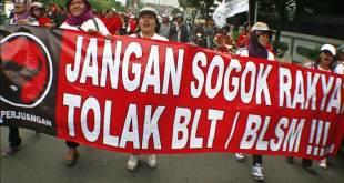 Demo para pendukung PDIP yang menolak program BLT