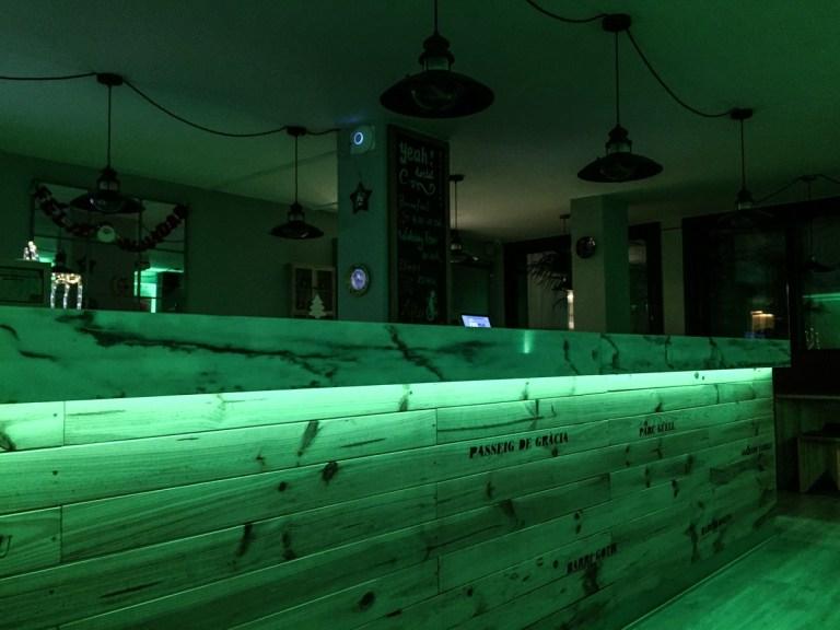 Yeah Barcelona - bar green