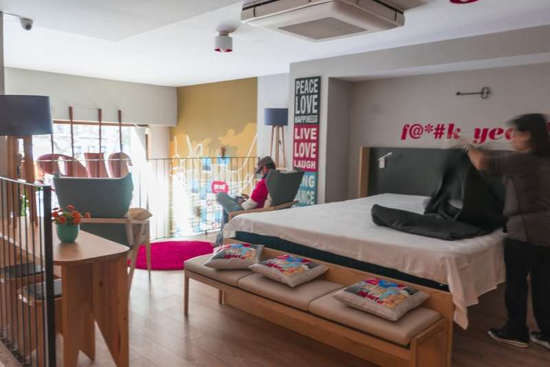 Yeah Barcelona - lounge area
