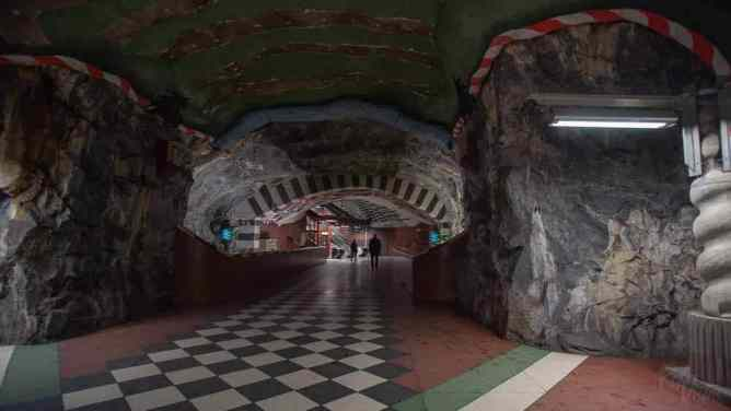 Kungsträdgården station walkway Stockholm_RiA Vistas