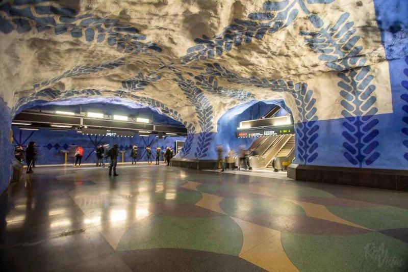 Blue leaf patterns at T-Centralen station - Stockholm_RiA Vistas