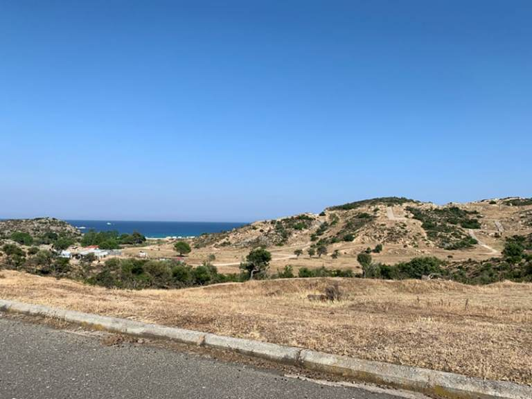 Road to Kriaritisi beach