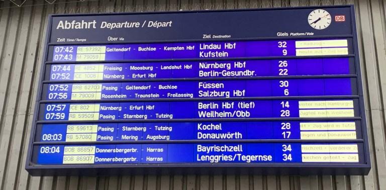 Munich station departure board_RiA Vistas