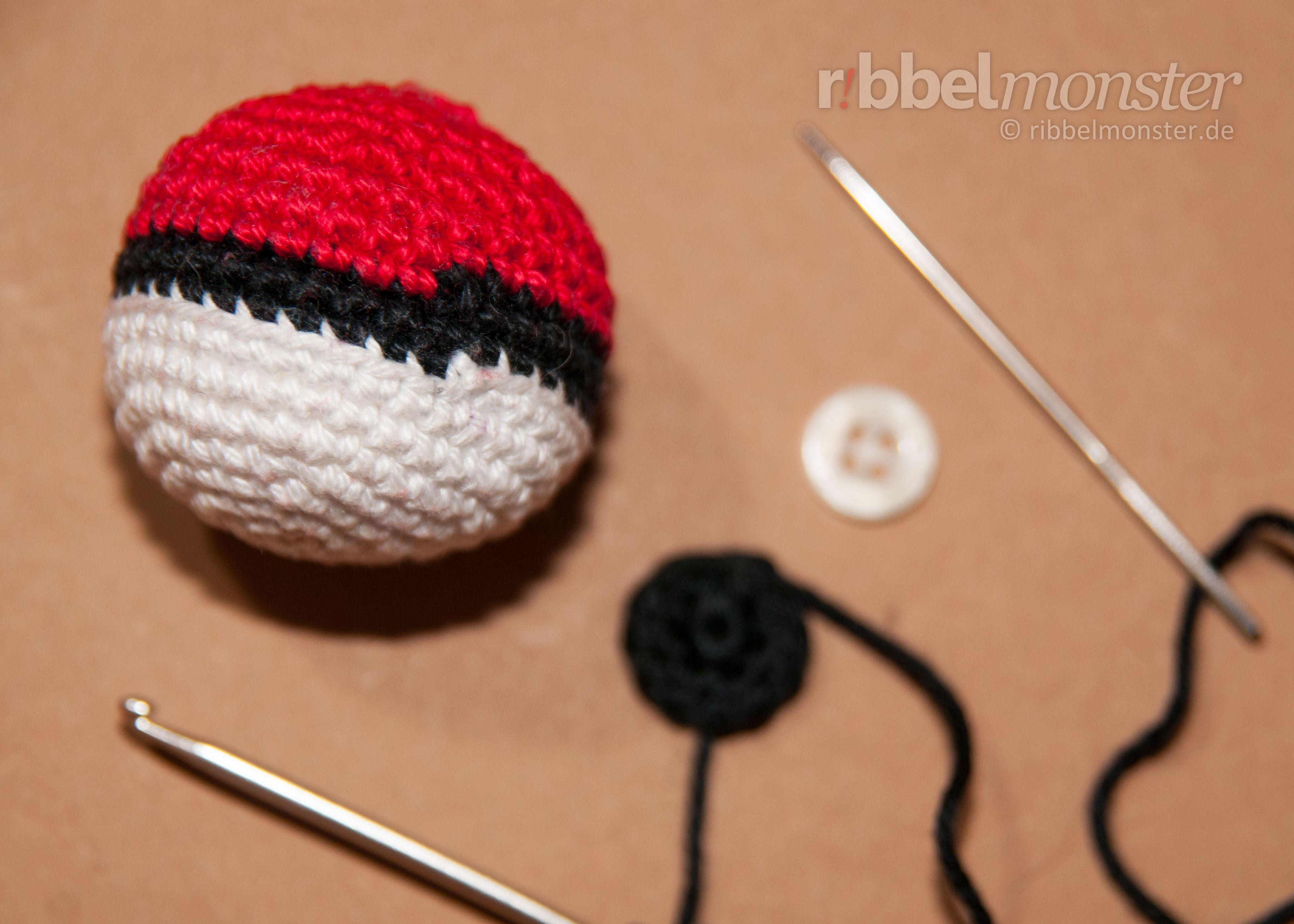 Amigurumi Crochet Pok Ball Pokmon Ball Premium Free