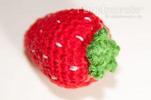 Amigurumi mittlere Erdbeere häkeln Anleitung Häkelanleitung