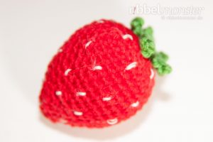 Amigurumi große Erdbeere häkeln Häkelanleitung Anleitung