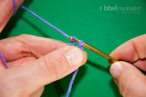 Anfangsschlaufe - Laufknoten mit der Häkelnadel machen - 5