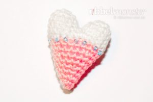 Amigurumi - Crochet smallest Tilda heart - pattern