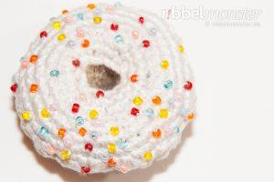 kostenlose Häkelanleitung - Amigurumi - großen Tuttifrutti Donut häkeln
