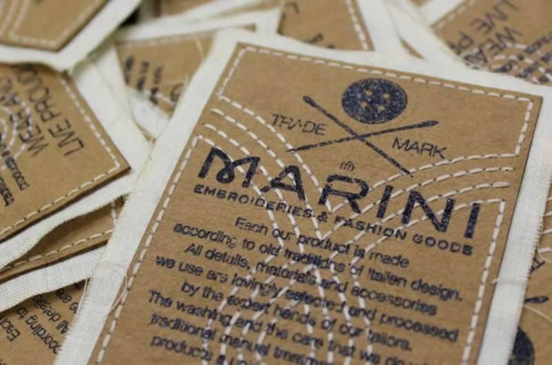 Clothing Hang Tags. Étiquettes volantes,Etichette tessute, ricamate e stampate per felpe, t-shirt e capi d'abbigliamento ed altro