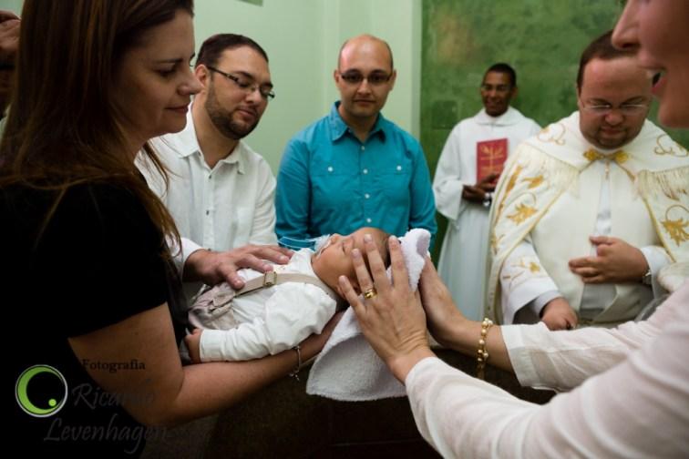 Batizado-do-Theo---20150510--149-fotografo-su-de-minas-fotografo-de-batizado