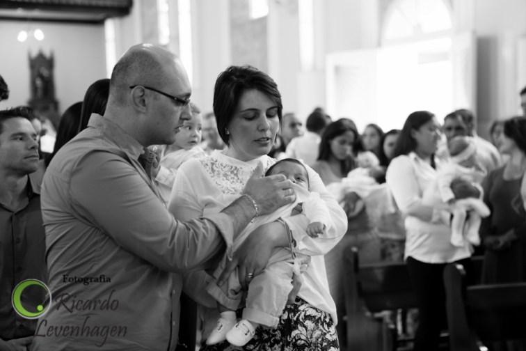 Batizado-do-Theo---20150510--41-fotografo-su-de-minas-fotografo-de-batizado