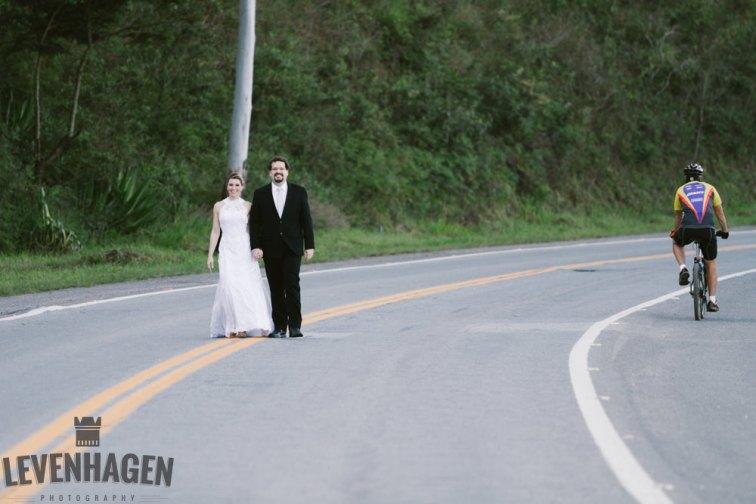 Ensaio de Luiz Paulo e Juliana---20160618--155ricardo-levenhagen-um-amor-quilometros-de-distancia-e-um-onibus-para-aproximar- Um amor quilômetros de distancia e um ônibus para aproximar