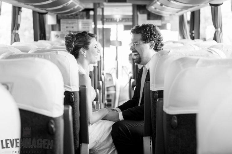 Ensaio de Luiz Paulo e Juliana---20160618--15ricardo-levenhagen-um-amor-quilometros-de-distancia-e-um-onibus-para-aproximar- Um amor quilômetros de distancia e um ônibus para aproximar
