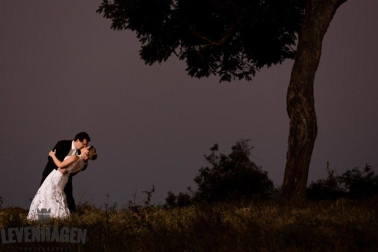 Ensaio de Luiz Paulo e Juliana---20160618--246ricardo-levenhagen-um-amor-quilometros-de-distancia-e-um-onibus-para-aproximar- Um amor quilômetros de distancia e um ônibus para aproximar