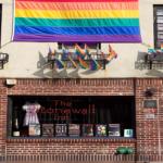 Perché esiste il Gay Pride? E perché a Giugno? Storia dei moti di Stonewall da cui iniziò tutto.