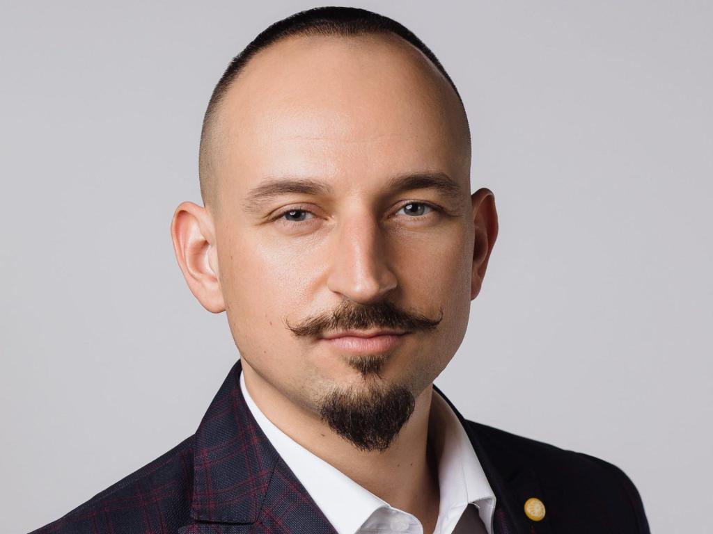 Грязнов Антон