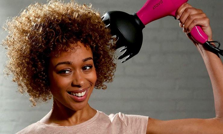 Come trattare capelli ricci uomo