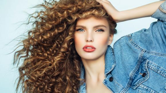 Gli Hair mist, i profumi per capelli come Idea Regal di natale per i capelli Ricci!