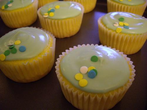 bluecupcakes.jpg