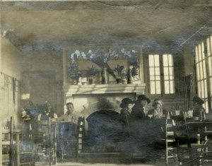 Ye Old College Inn 1920 dining room