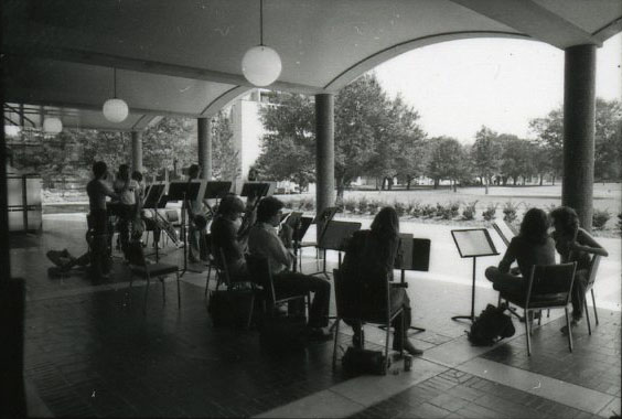 Shepherd school concert outside Hamman nd003