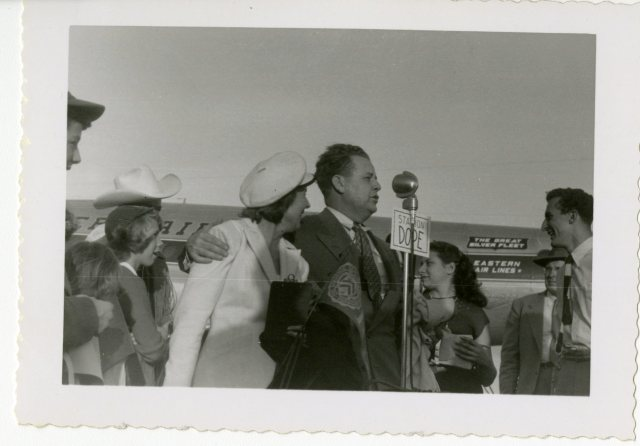 Homecoming 1951 Jack Glenn family at airport 2 054