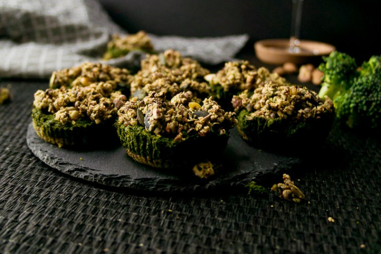 Hier kommt das Rezept für die Brokkoli-Spinatküchlein. Gesund, einfach und handlich - perfekt für jede Gartenparty.   Ricemilkmaid Blog