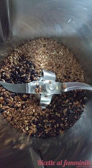 riso rosso 100 g e semi lino 2 cucchiai