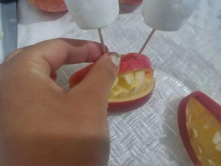 Dentiere di mela, un dolcetto per Halloween - 14650678_1254339464599757_2915204629536817215_n