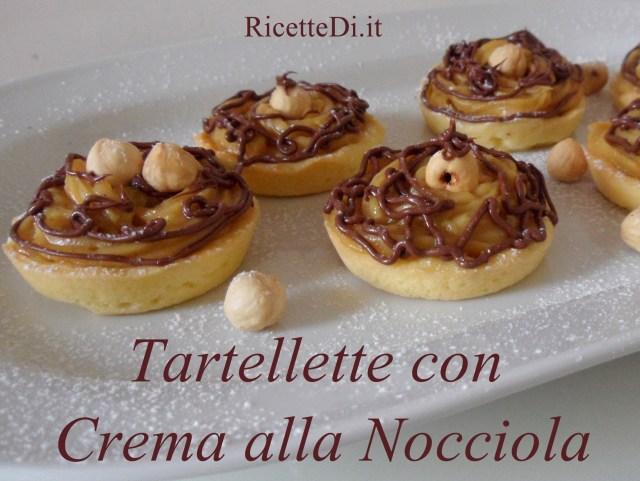 06_tartellette_con_crema_alle_nocciole