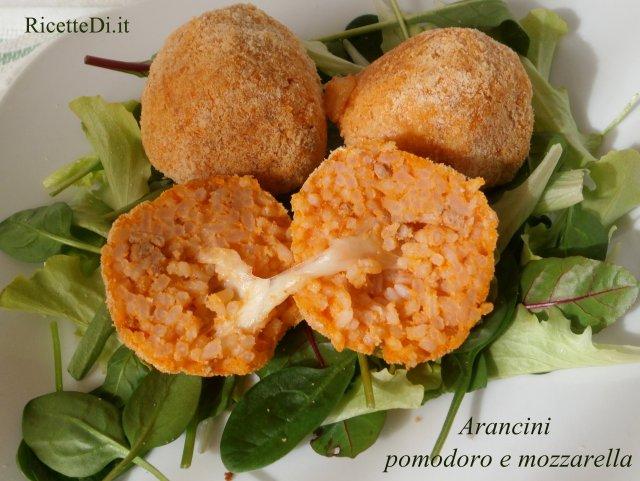 arancini_pomodoro_e_mozzarella_01
