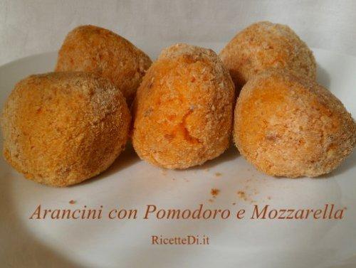 arancini pomodoro e mozzarella