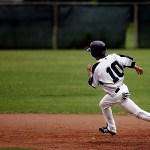 少年野球向けベースランニングの基本を学ぶ/走塁の意識や基本まとめ
