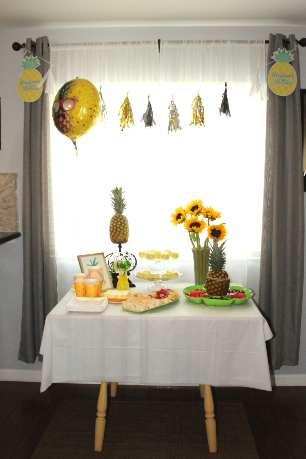 PINEAPPLE THEME PARTY