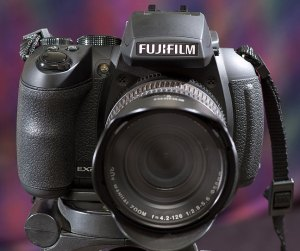 In addition to its capabilities, the HS30EXR from Fuji is a sexy little camera.