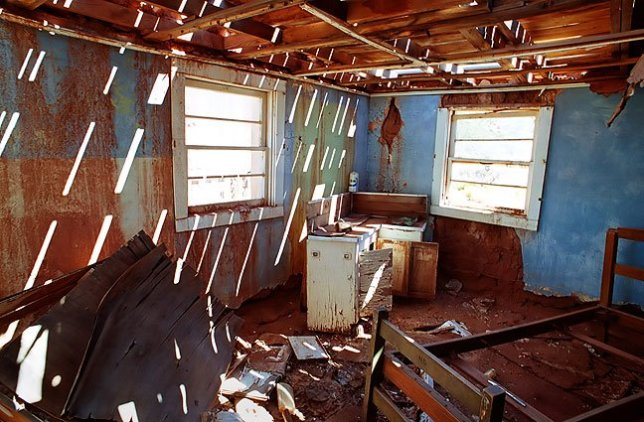 Abandoned house, Cuervo, New Mexico, September 2000