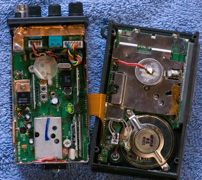 Removing 10 screws allows the radio to be opened into halves.