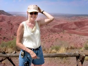 Abby clings to her hat at The Painted Desert.