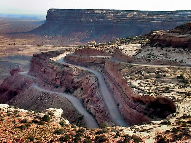 The Mokee Dugway stretches down Cedar Mesa for 1100 feet.